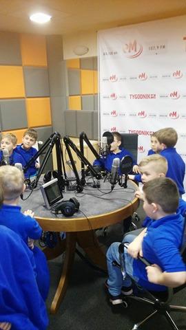 10.04.2018 Wizyta klas 1 SP w Radio eM Kielce